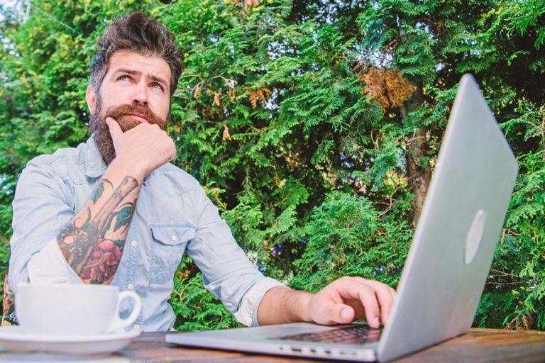 WIE ERKENNT MAN EINE RESPONSIVE WEBSITE?
